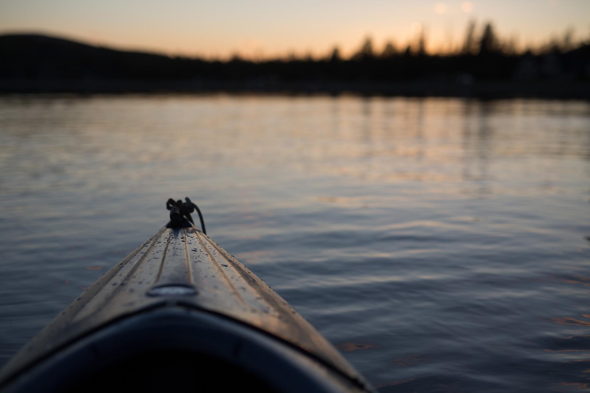 canoe-1149501_1920